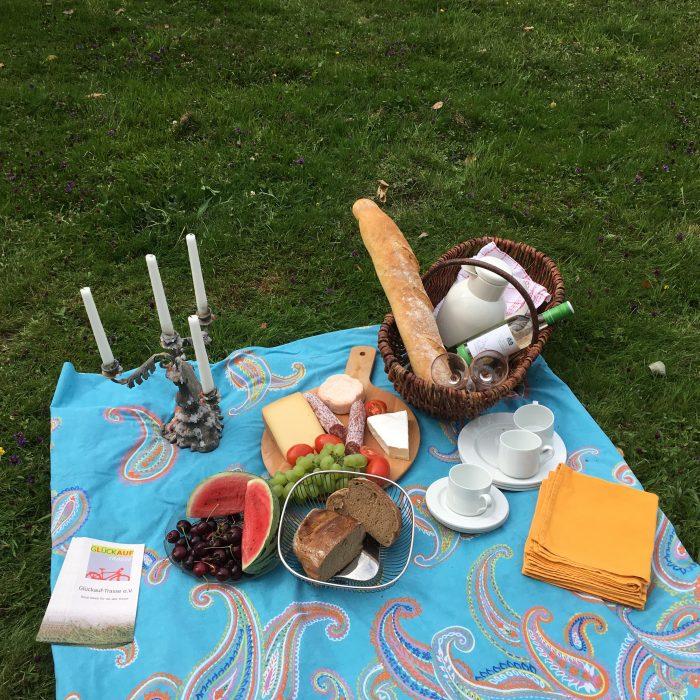Picknickdecke auf einer Wiese